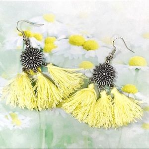 Jewelry - BOGO💫Silver Plated Boho Daisy Sun Tassels